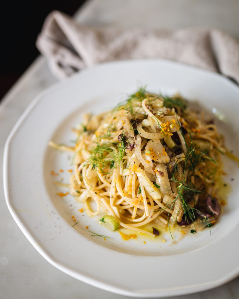 spaghetti with fennel and olives